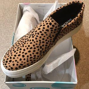 NWT leopard print slip on tennis shoes 10